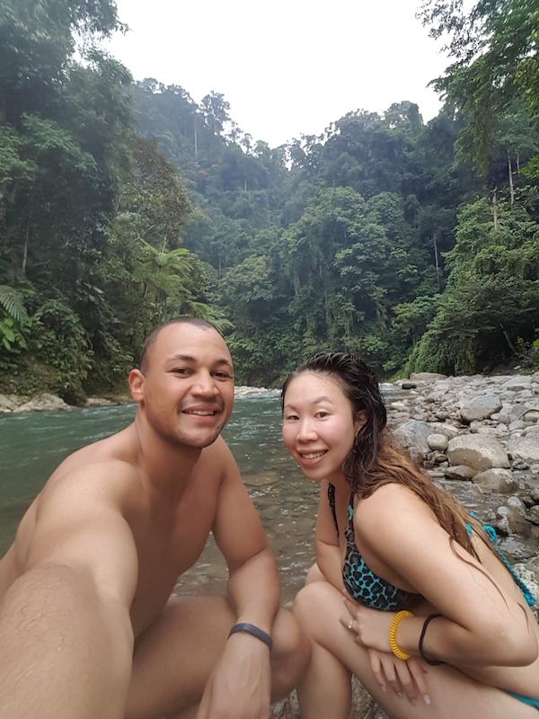 jungle trekking borneo vs bukit lawang
