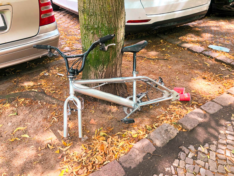 remains of a bicycle without tires due to bike theft in berlin