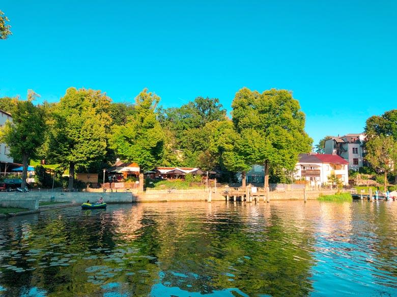 restaurants and vacation rentals along the lake at flakensee in berlin brandenburg region