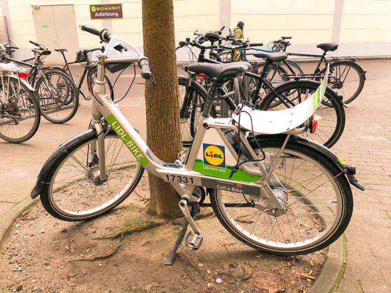 lidl bike bicycle in berlin has 7 gears