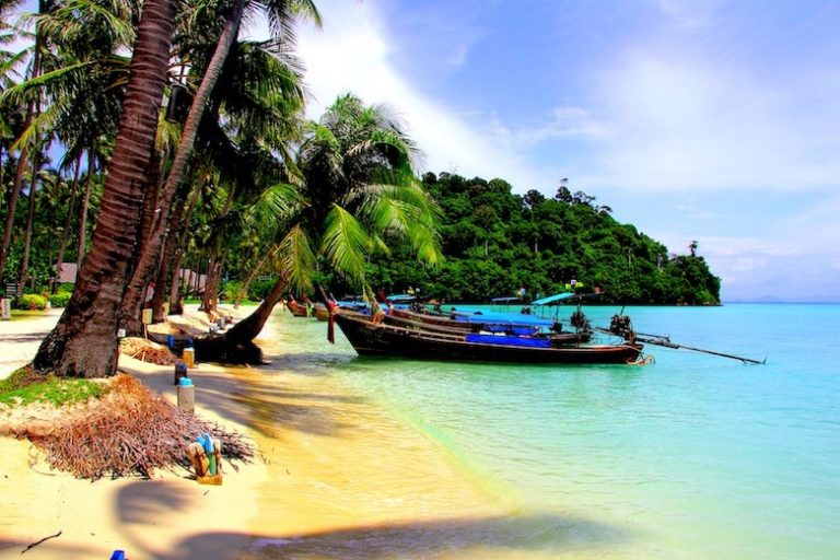 Thailand Transportation Guide: How To Get Around in Thailand for Cheap