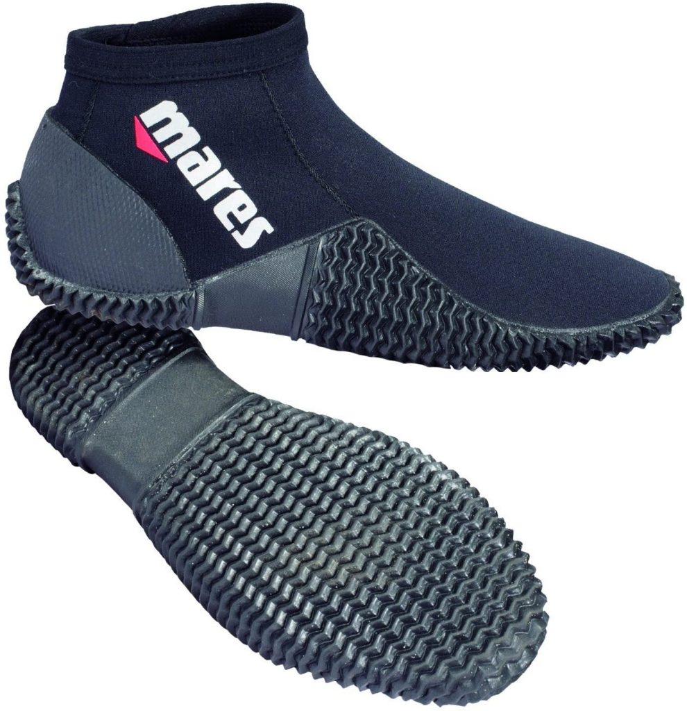mares 2mm neoprene dive bootes are the best diving accessories and gifts for him and her