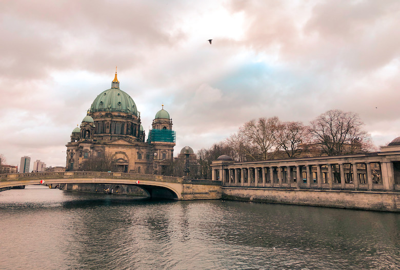 self cycling tour to see the top things to do in berlin