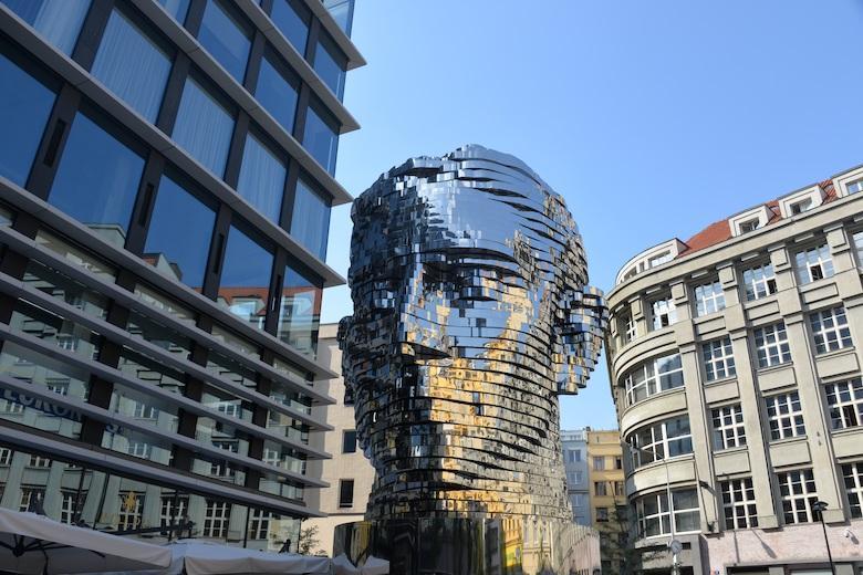 kinetic sculpture of frank kafkas head